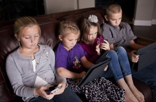 Why You Should Limit Screen Time This Summer